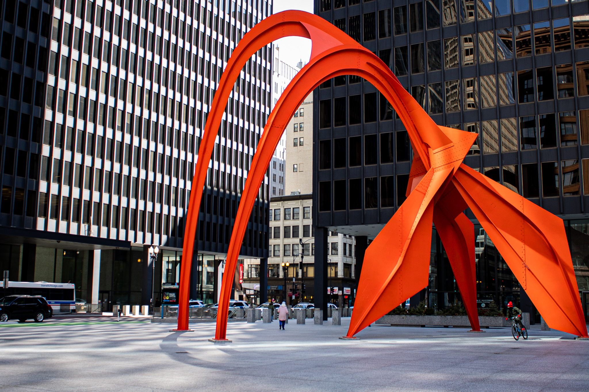 The sculpture of Calder's Flamingo in Chicago, IL